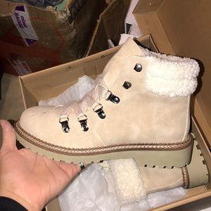 Cute Sherpa style booties